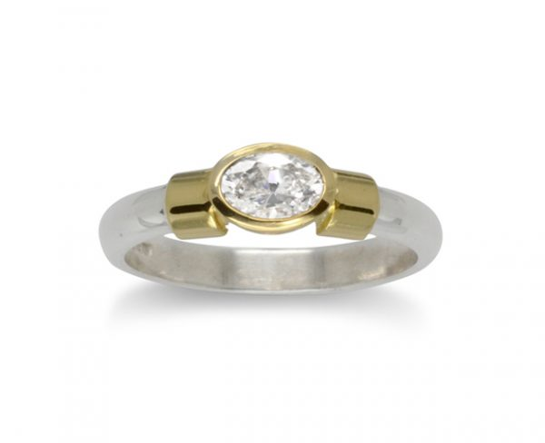 Oval Diamond Ring 18ct Gold Shoulder Ring