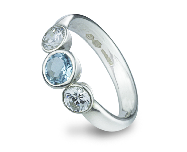 white diamond in to tap and gold shaped clover size round aqua rings zoom p fashion ring td view aquamarine engagement