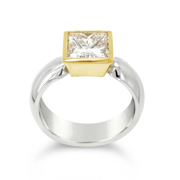 18ct Gold Rubover Setting With Diamond