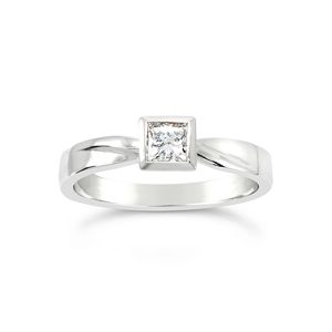 princess cut diamond ring unusual
