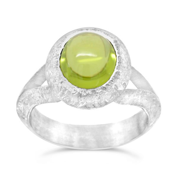 peridot silver ring with a split shank