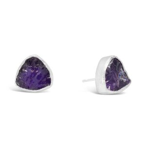 rough amethyst earstuds trillion shaped in silver