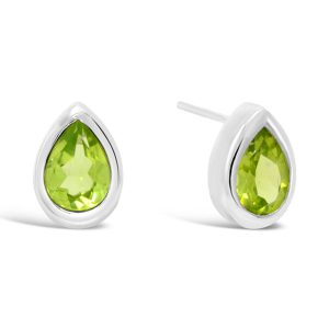 Peridot silver earstuds pear shaped 7x5mm