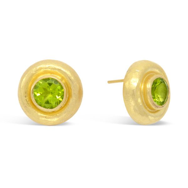 peridot hammered earstuds in gold plated silver