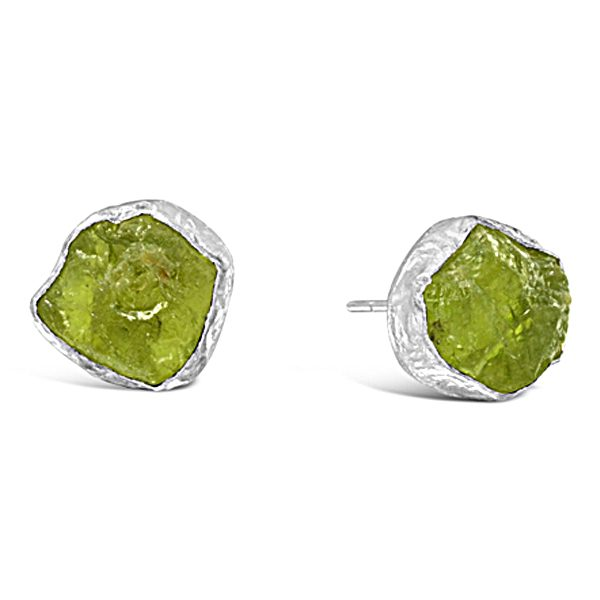 Rough peridot earstuds in silver
