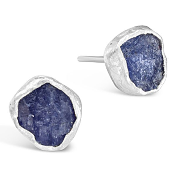 Rough tanzanite earstuds in silver