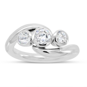 diamond trilogy ring in platinum with a spiky design