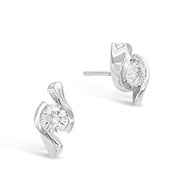 Platinum Diamond Twist Earstuds