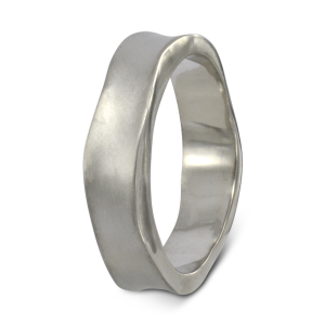 Palladium side hammered wedding ring