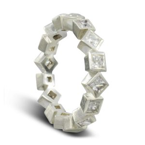 Alternating rotating square diamond eternity ring