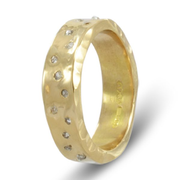 Side Hammered diamond scatter eternity ring