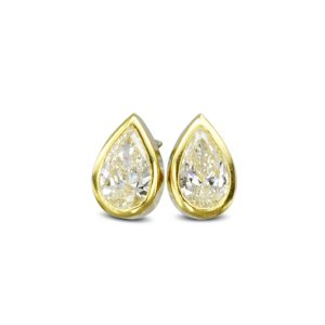 yellow gold pear diamond earstuds