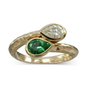 emerald diamond moi et toi ring