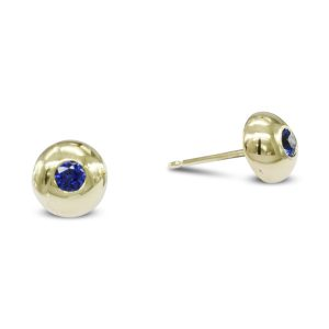 gold and sapphire 6mm nugget earstuds